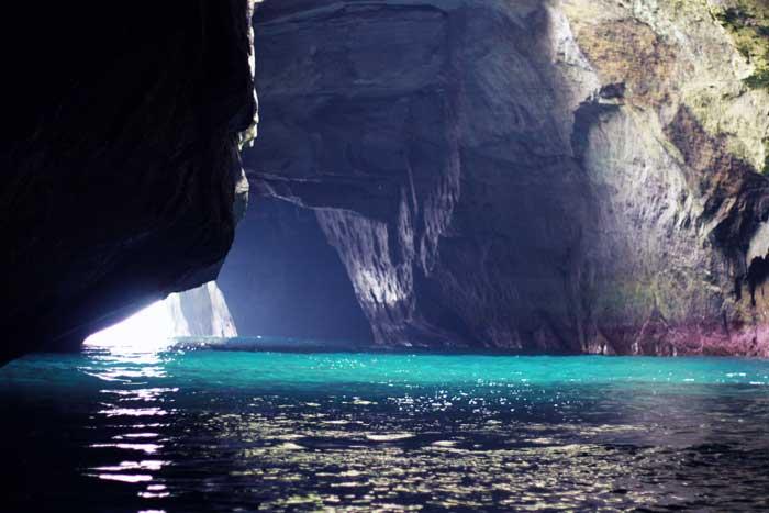 堂ヶ島の洞窟光景
